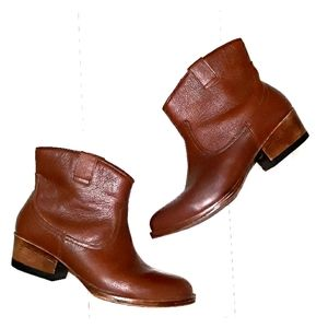 Kenneth Cole Reaction leather short ankle boots